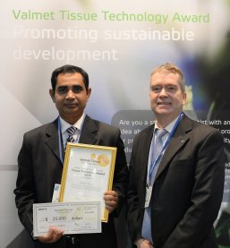 Abdus Salam, a graduate student from North Carolina State University (USA), receives Valmet's Tissue Technology Award from Jan Erikson, Vice President, Sales, Tissue Mills business unit Valmet, during the Tissue World Conference in Barcelona, Spain. image source: paperage.com